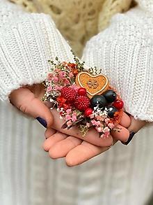"""Odznaky/Brošne - Kvetinová brošňa """"vianočné pokušenie"""" - srdiečko - 12752460_"""