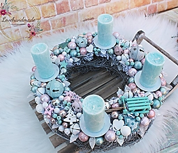 Dekorácie - Adventný veniec mint, baby pink, pudrová a biela 37cm - 12757043_