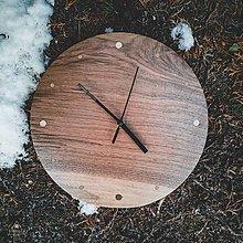 Hodiny - Walnut Ring - Orechové drevené hodiny - 12756535_
