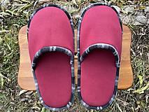 Obuv - Veľké bordové papuče - 12760308_