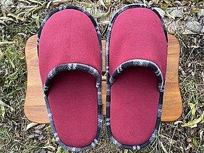 Ponožky, pančuchy, obuv - Veľké bordové papuče - 12760308_