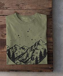 Tričká - Hory Kukajtu - pánske tričko - olive - 12763224_
