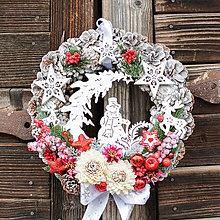 Dekorácie - Vianočný veniec so snehuliakom - 12765309_
