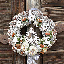 Dekorácie - Vianočný veniec na dvere so stromčekom - 12765471_