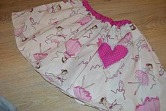 Detské oblečenie - Suknička s pískacím srdiečkom - pripravená k odoslaniu - 12764414_