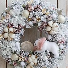 Dekorácie - Vianočný veniec na dvere ... vianoce v zasneženom lese ... - 12768776_