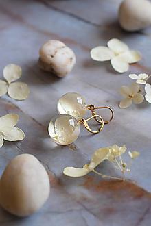 Náušnice - Náušnice Hortenzia biela guličky 2961 A CHO - 12772571_