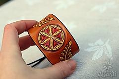 Náramky - Kožený náramok Ornament, šnurovací - 12772719_
