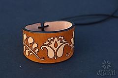 Náramky - Kožený náramok Ornament, šnurovací - 12772723_