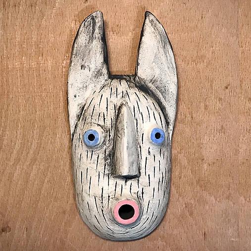 Závesná maska