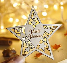 Dekorácie - Drevená hviezdička s menom - menovka na balíčky - 12777954_