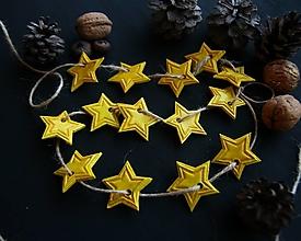 Dekorácie - Vianočná žltá hviezdičková girlanda - 12780706_