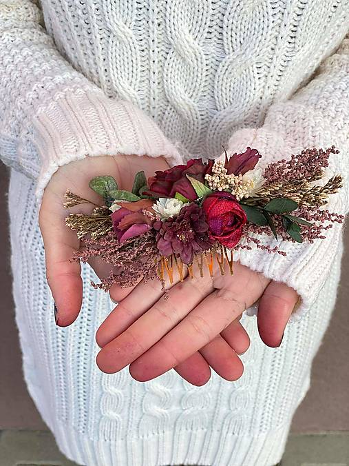 """Kvetinový hrebienok """"tebe to rozpoviem..."""""""