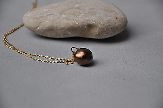 Náhrdelníky - kovový guličkový náhrdelník na retiazke - 12785855_