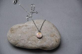 Náhrdelníky - Náhrdelník, prívesok ružovo fialový kruh - 12786188_