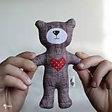 Hračky - malý a milý macko so srdiečkom :) - 12789500_