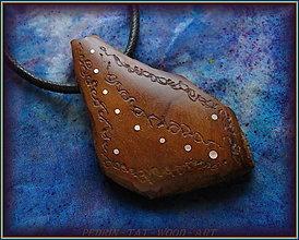 Náramky - 587. Dřevěný náhrdelník  SLIVOŇKA  -  stahovací - 12790060_