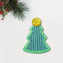 Magnetky - Vianočný stromček Fimom vyšívaný - čistý (magnetka) - 12792860_