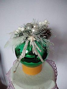 Dekorácie - Guľa zelenobiela - 12796576_
