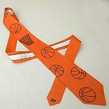 Doplnky - Oranžová kravata s basketbalovými míči a košem 12082105 - 12800314_