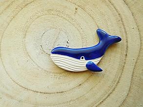 Odznaky/Brošne - Veľryba brošňa (kráľovská modrá) - 12803672_