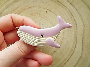 Odznaky/Brošne - Veľryba brošňa (rúžová) - 12803683_