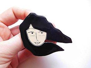 Odznaky/Brošne - S vetrom vo vlasoch brošňa #5 (čierne vlasy) - 12804442_