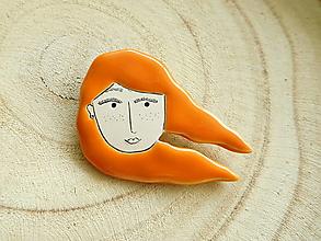 Odznaky/Brošne - S vetrom vo vlasoch brošňa #5 (ryšavé vlasy) - 12804449_