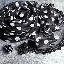 Šatky - Obsidián skrývá celý svět - farebna šatka s čipkou - 12809305_