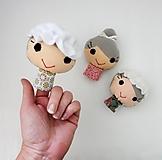 Prstová maňuška človiečik (babička / kráľovná - na výber)