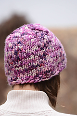 Čiapky, čelenky, klobúky - Dámska čiapka FLOW, 100% merino (Fialová strakatá) - 12812941_