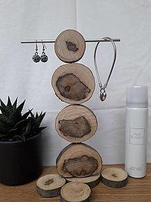 Dekorácie - Drevený stojan na šperky - 12814057_