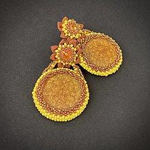 Náušnice - Výpredaj: náušnice žlto-oranžové s kvetinou - 12813129_