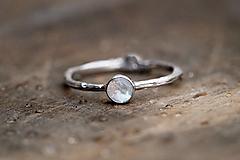 Prstene - Vetvičkový zlatý s rozprávkovým mesačným kameňom - 12816397_