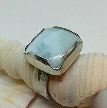 Prstene - Blue lagoon-strieborný prsteň s larimarom - 12816948_