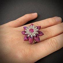 Prstene - Prsteň: Kvietok (Ružový Swarovski) - 12815182_