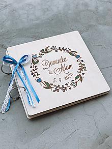 Papiernictvo - Svadobná kniha hostí, drevený fotoalbum -  venček 17 - 12817420_