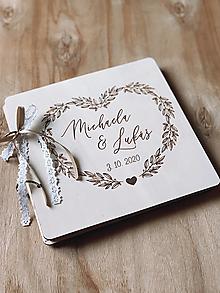 Papiernictvo - Svadobná kniha hostí, drevený fotoalbum - Srdce - 12819196_