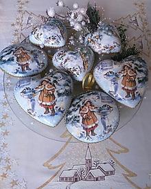 Dekorácie - Vianočné ozdoby - Dievčatko s vtáčikmi - 12819262_