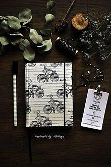 Papiernictvo - Diár 2021 Na bicykli - 12826365_