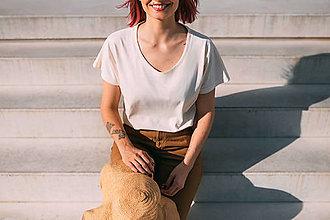 Tričká - Dámske tričko zo 100% recyklovanej látky BIELA - 12832854_