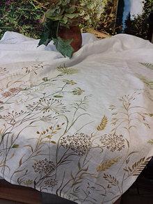 """Úžitkový textil - Ľanový maľovaný obrus """" Lúčne trávy """" (biely ľan + lúčne trávy, paprade a kvietky) - 12844778_"""