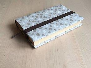 Papiernictvo - Obal na knihu - Srdiečkový šedohnedý - 12848088_