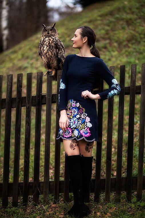 Šaty - Modré vyšívané šaty Poľana - 12848830_