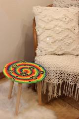 Nábytok - Drevený stolík HIPPIES ŠPIRÁLA ručne maľovaný - 12853931_