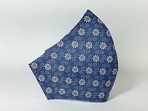Rúška - Antibakteriálne rúško ,biele kvietky na modrej - 12855884_
