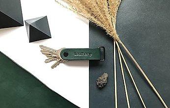 Kľúčenky - Kožená kľúčenka Leathery Forest - 12858967_