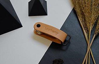 Kľúčenky - Kožená kľúčenka Leathery Prírodná - 12858972_