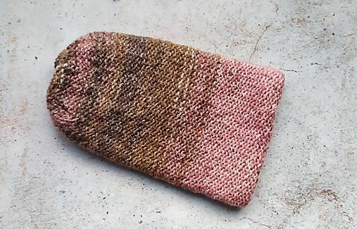 Pletená dvojvrstvová čiapka v ružovo-hnedej