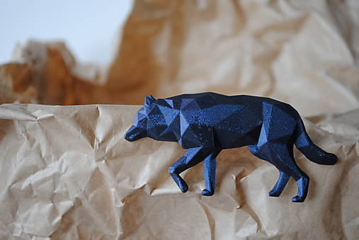 Vlk metalický - brošňa vytvorená na 3D tlačiarni